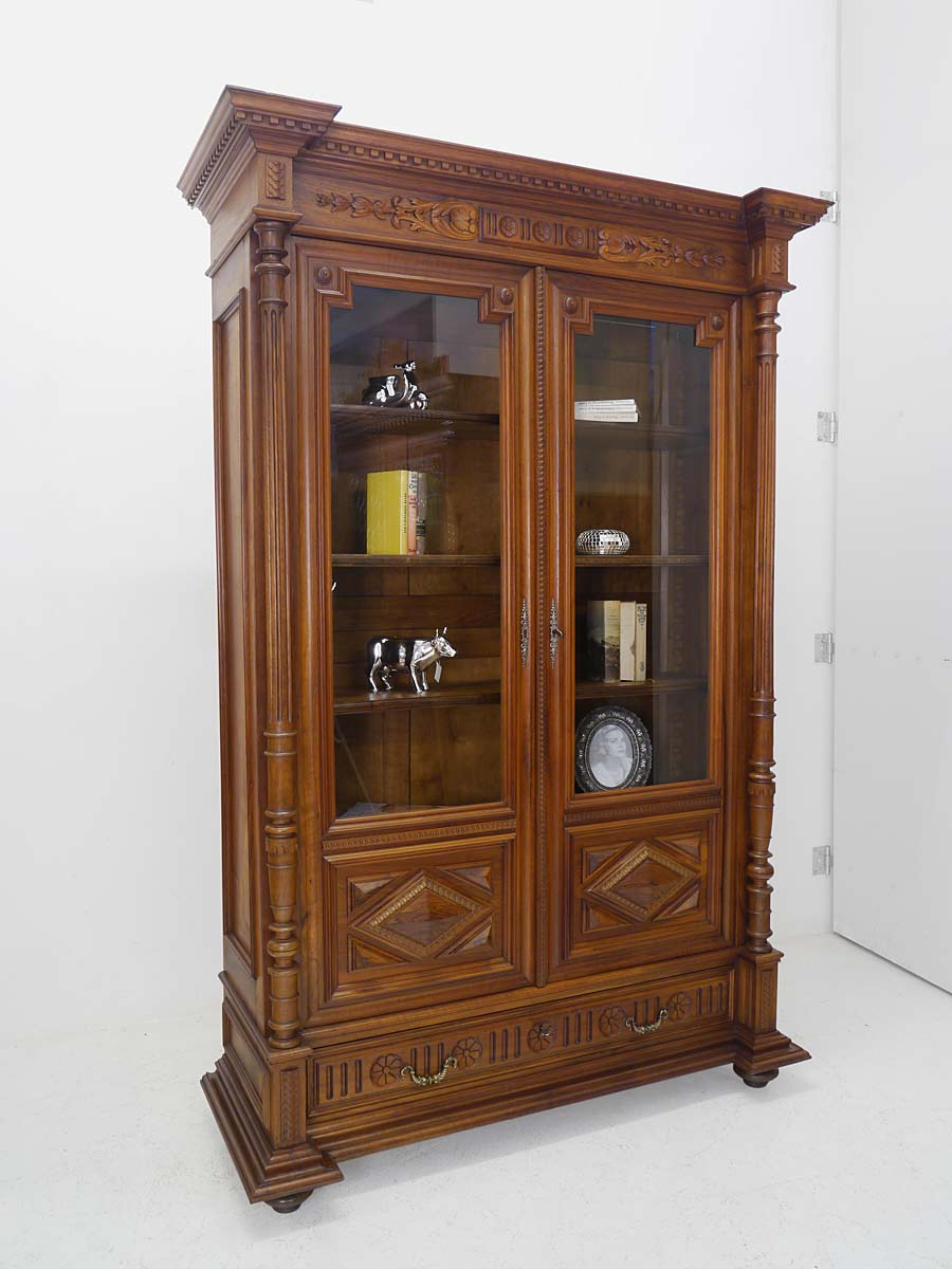 vitrine b cherschrank vitrinenschrank gr nderzeit um 1880 aus nussbaum 5164 ebay. Black Bedroom Furniture Sets. Home Design Ideas