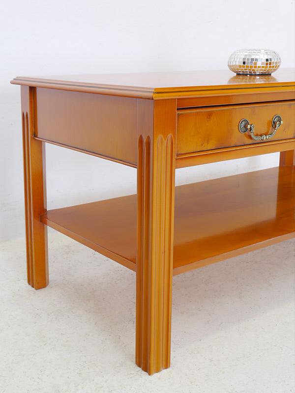 couchtisch wohnzimmertisch salontisch im englischen stil eibe furniert 1402 m bel tische. Black Bedroom Furniture Sets. Home Design Ideas