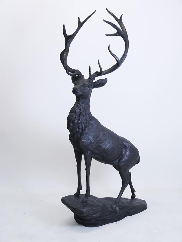 Hirsch in Bronze gegossen