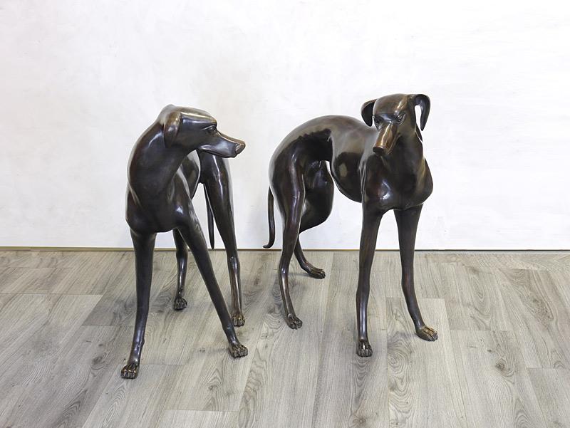 Windhundpärchen aus Bronze