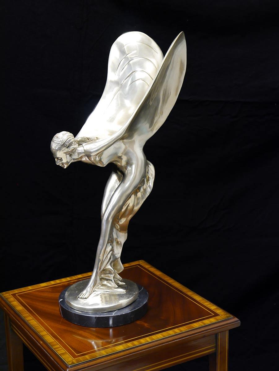 Bronze Figur Frau mit Flügeln