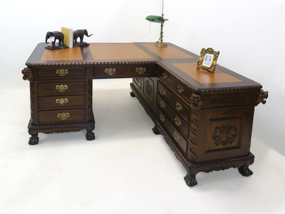 Computertisch mit 4teilige Lederauflage
