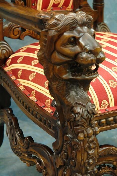 Königlicher Sessel Detailansicht