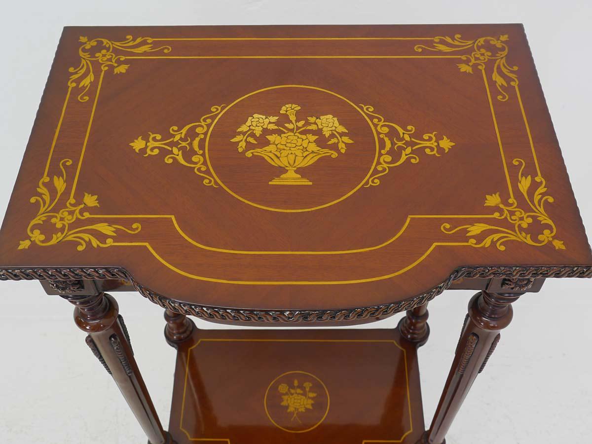 Draufsicht Nachttisch mit wunderschönen Intarsien