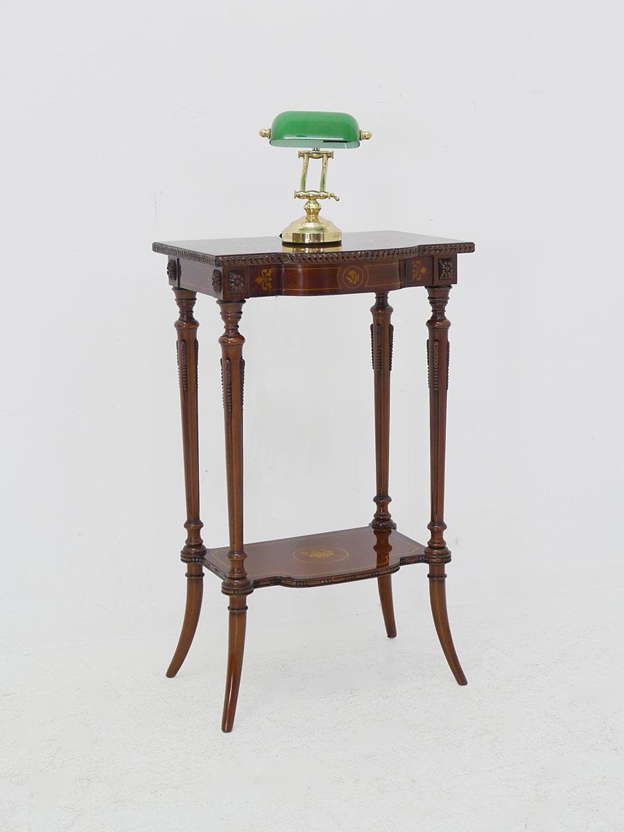 Telefontisch im englischen Stil