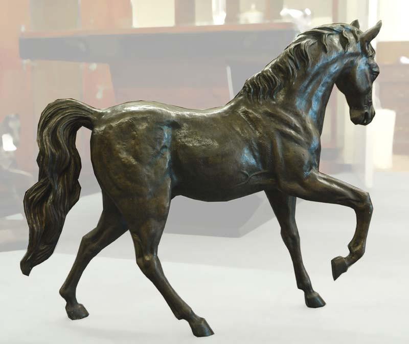 Kleinste Details des Körpers sind eindrucksvoll in Bronze gegossen