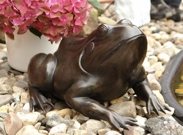 Lebensechte Bronze Figur eines Frosches