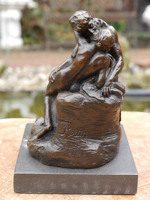 Bronzefigur der Kuss nach Rodin