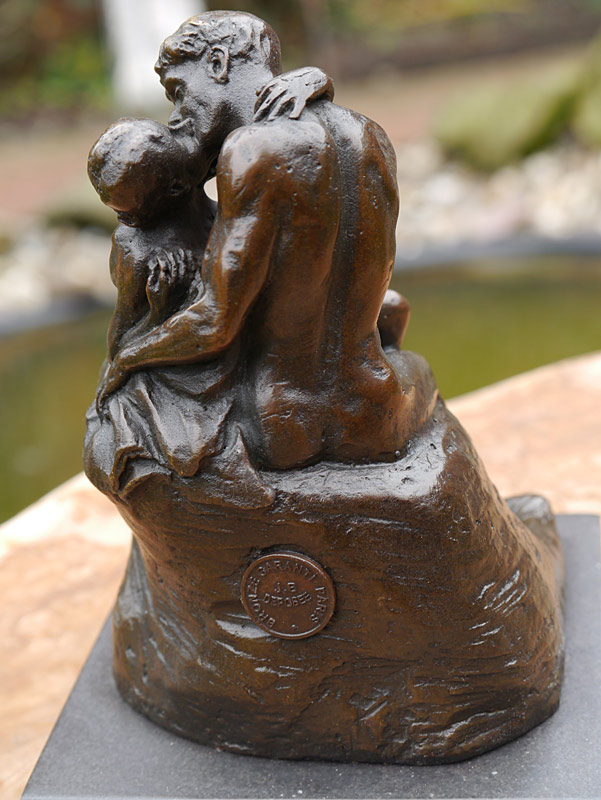 Diese Figur ist eine Kopie einer originalen Skulptur mit Bronzestempel und Künstlersignatur