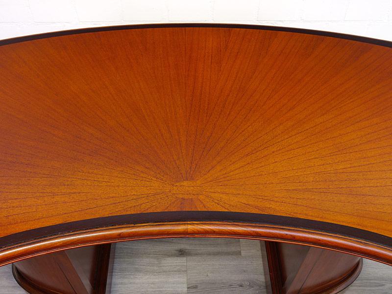 Schreibtischfläche Detailansicht