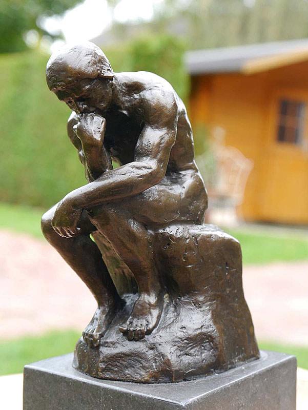 Der Denker nach Auguste Rodin in Bronze gegossen
