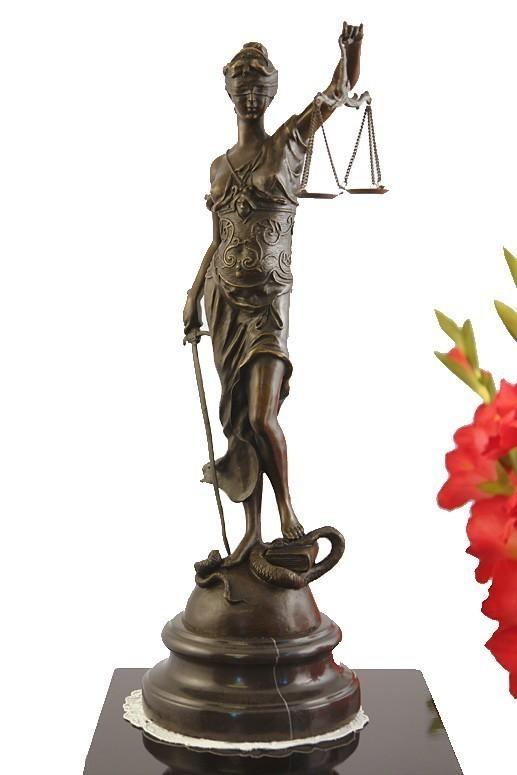 Bronzefigur Justitia Göttin des Rechtwesen