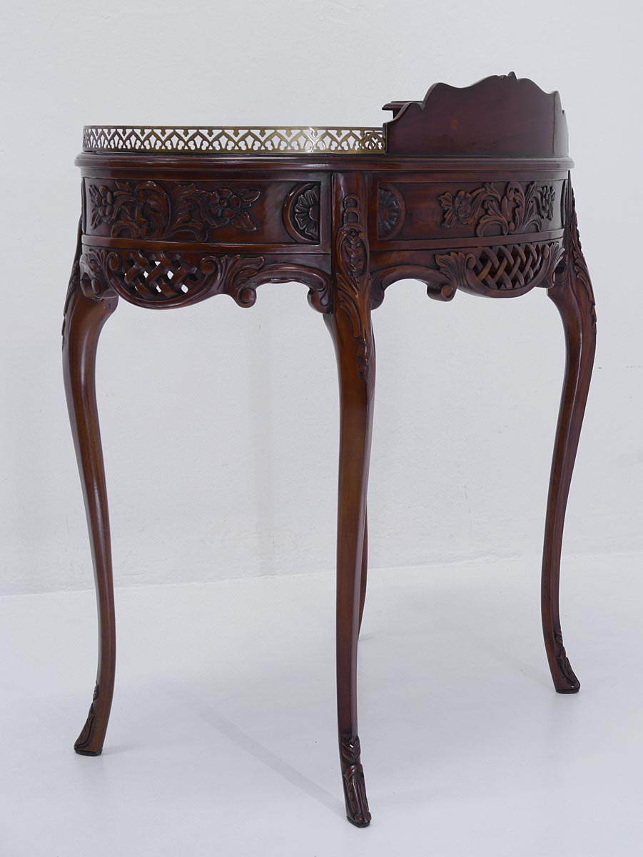 Schreibtisch Rückseite mit Schnitzereien