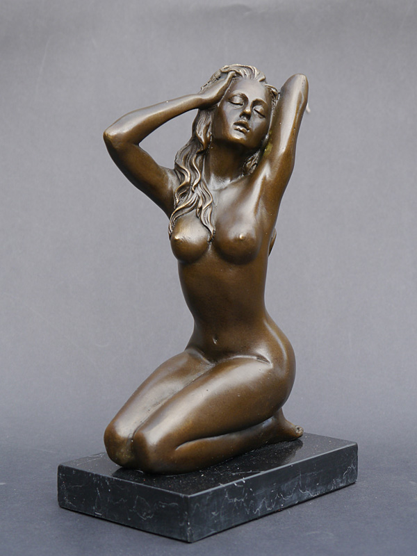 Erotische Bronze Figur einer Frau