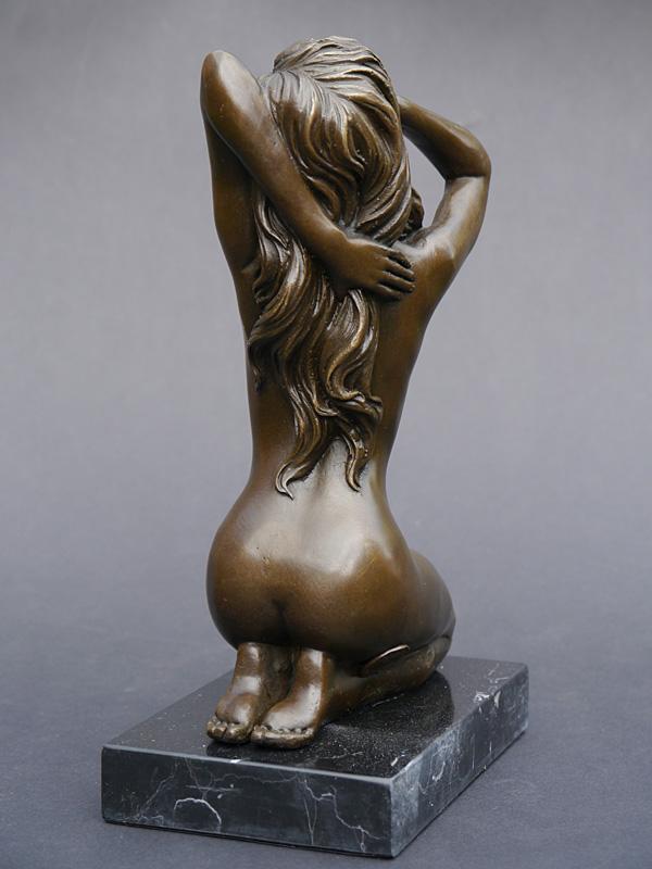 Die Skulpturen sind mit viel Liebe zu Detail gefertigt