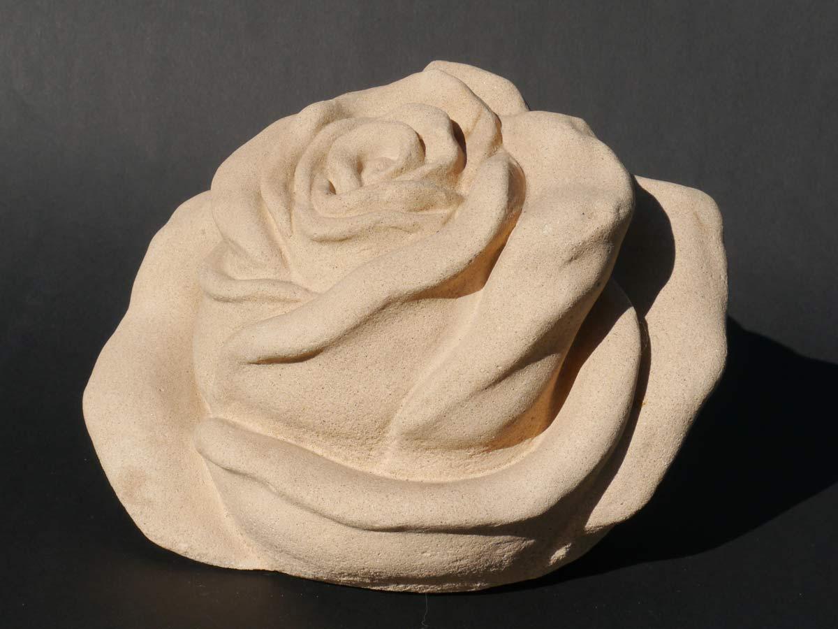 Dekorative Figur einer Rosenblüte