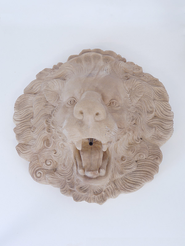 Dekorative Figur eines Löwenkopfes aus Sandstein