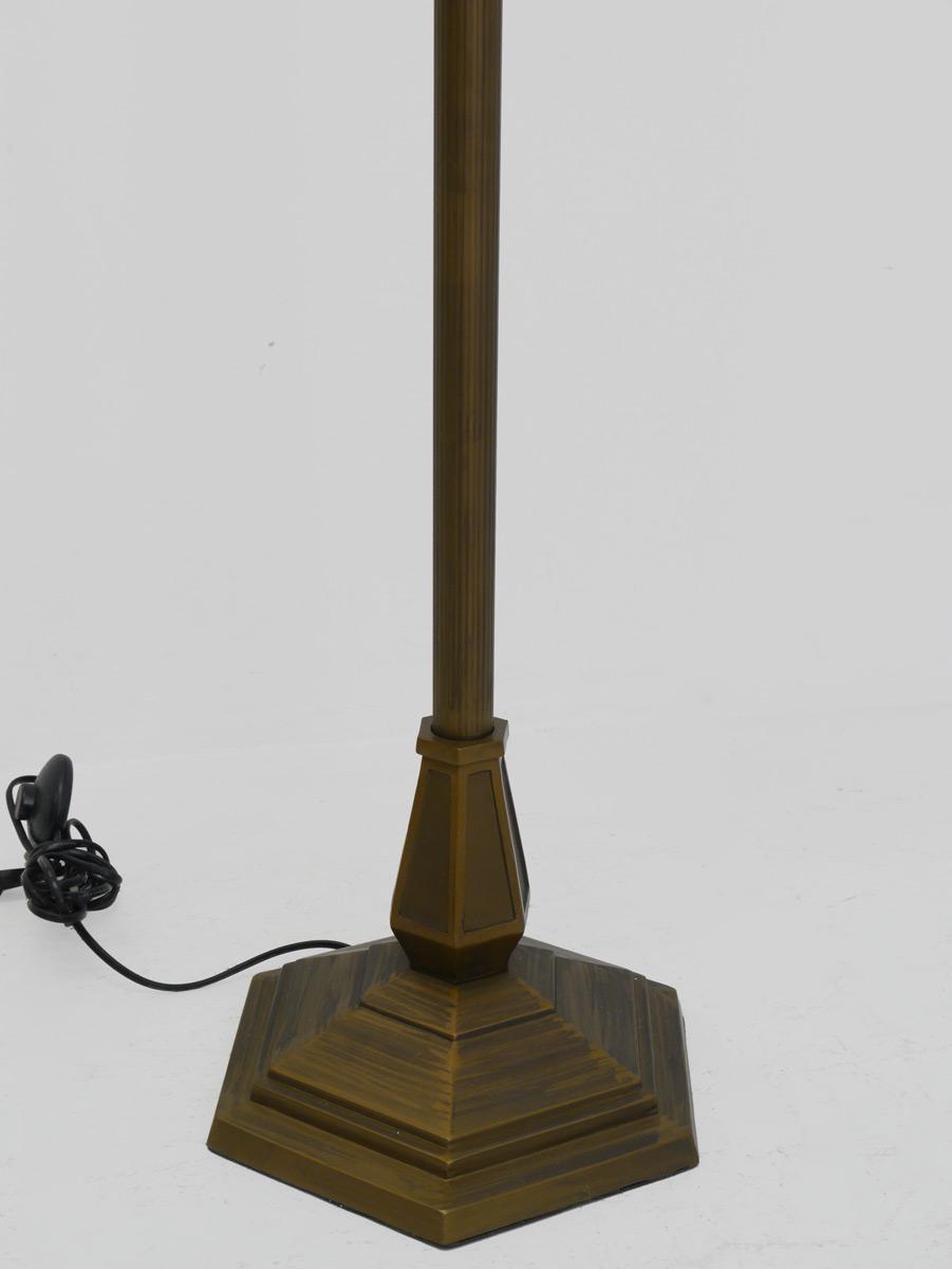 lampe standleuchte stehlampe messing mit lampenschirm aus glas 3505 lampen stehlampen. Black Bedroom Furniture Sets. Home Design Ideas