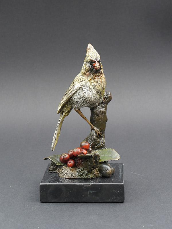 Dekorative Figur eines Kardinalsvogel