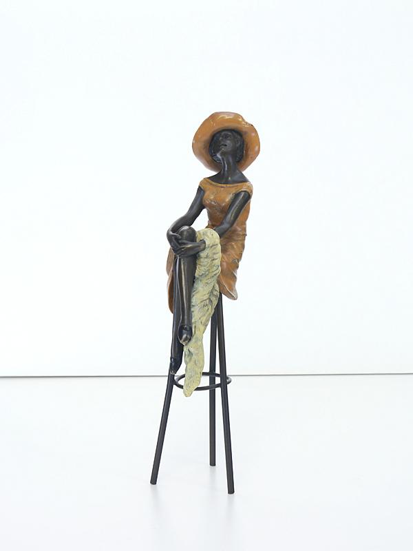 Dekorative Skulptur einer jungen Dame