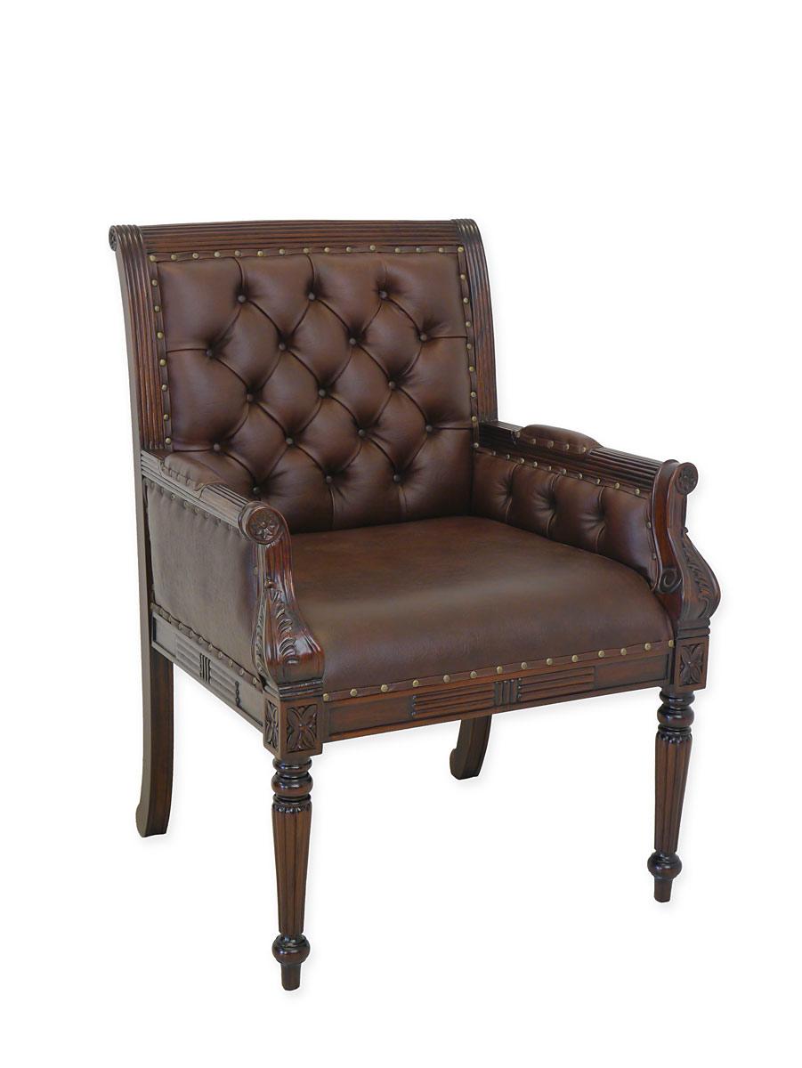 Sessel im antiken Stil