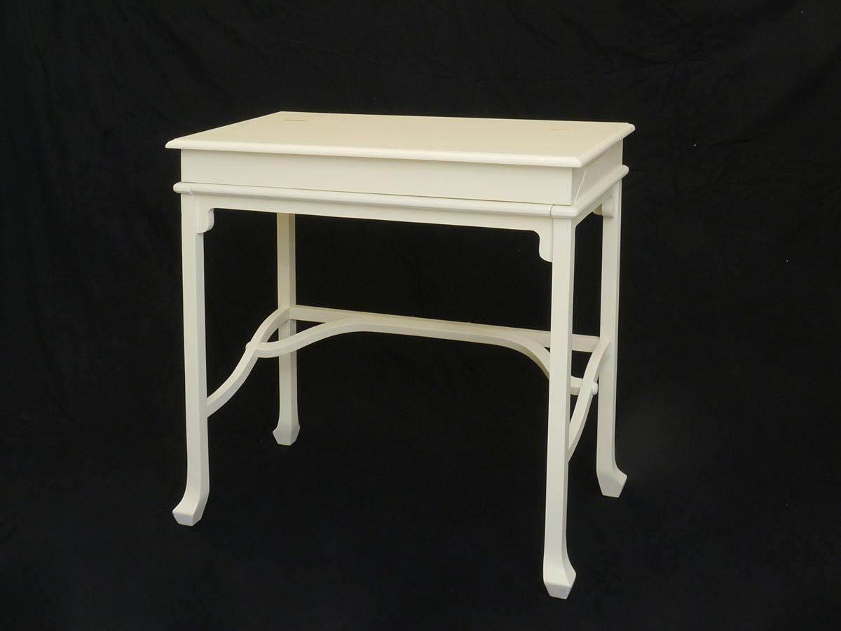 Schreibtisch im englischen Stil