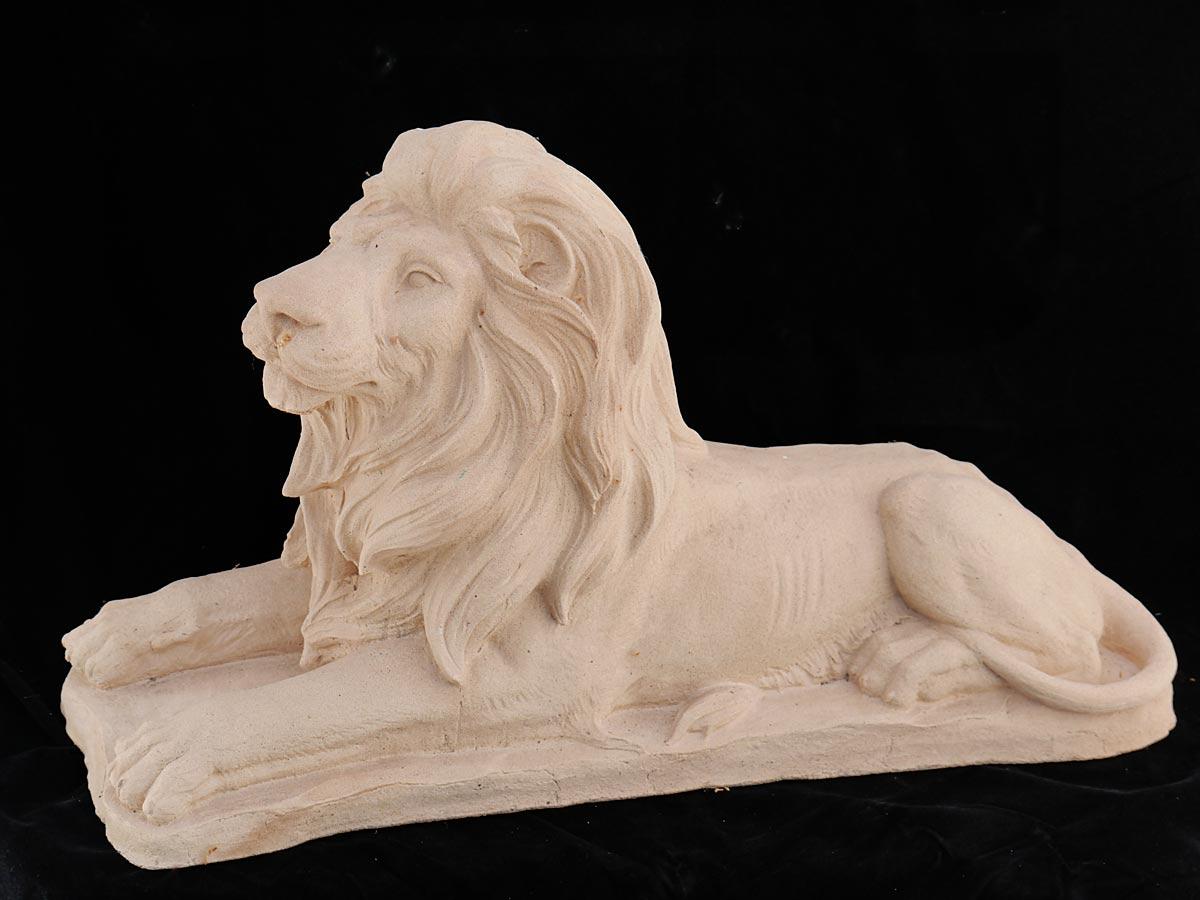 Ausdrucksstarke Figur eines Löwen