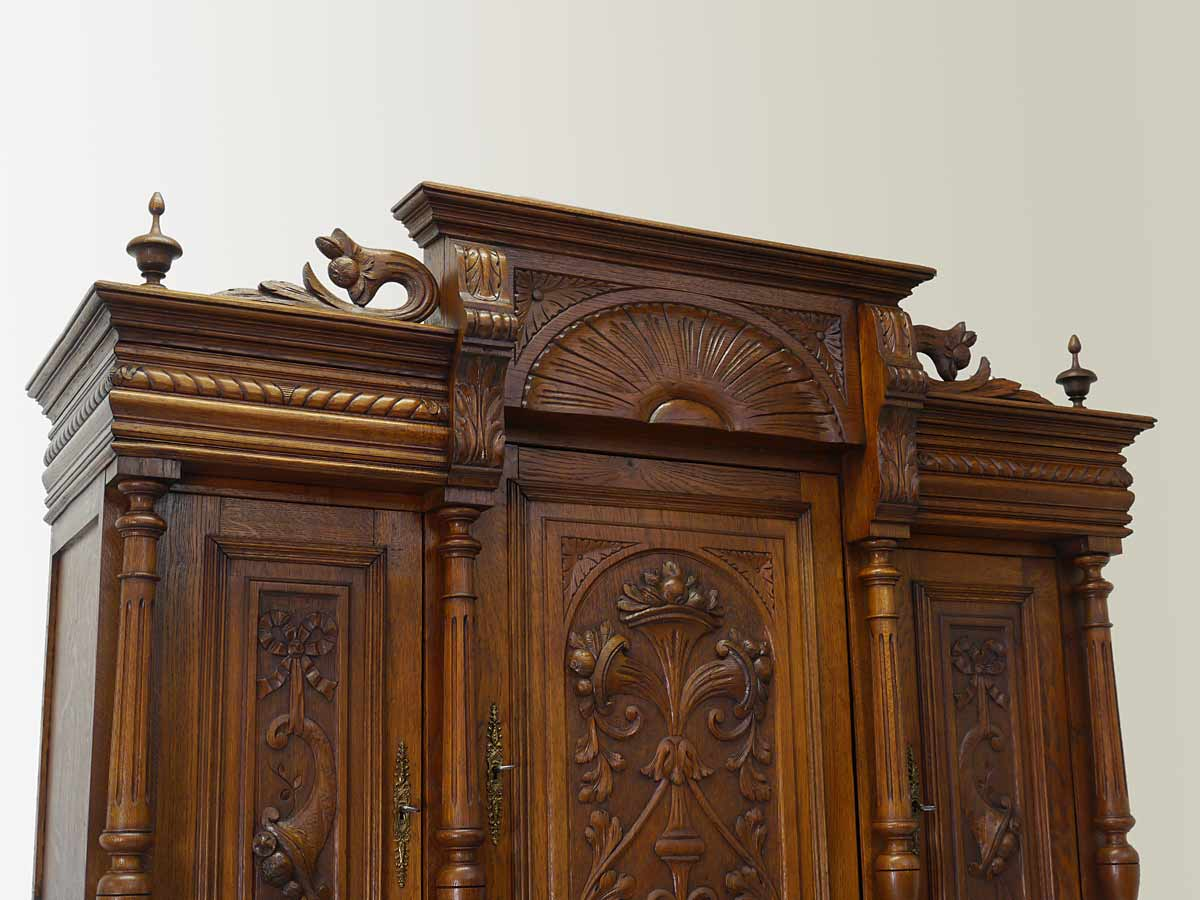 buffet k chenschrank buffetschrank antik gr nderzeit um 1880 eiche massiv 4220 schr nke. Black Bedroom Furniture Sets. Home Design Ideas