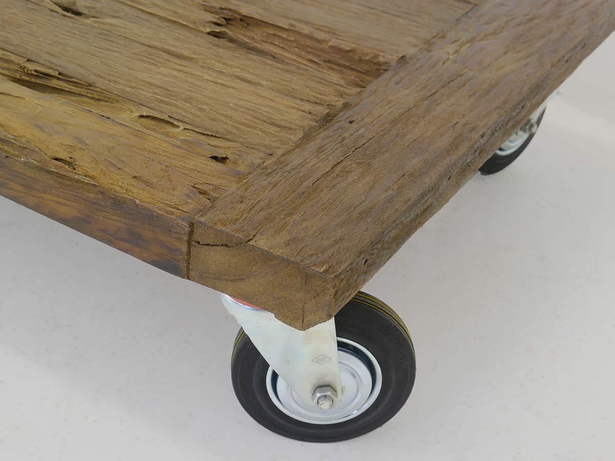 couchtisch tisch wohnzimmertisch modern massivholz auf rollen 130x70 cm 4253 m bel tische. Black Bedroom Furniture Sets. Home Design Ideas