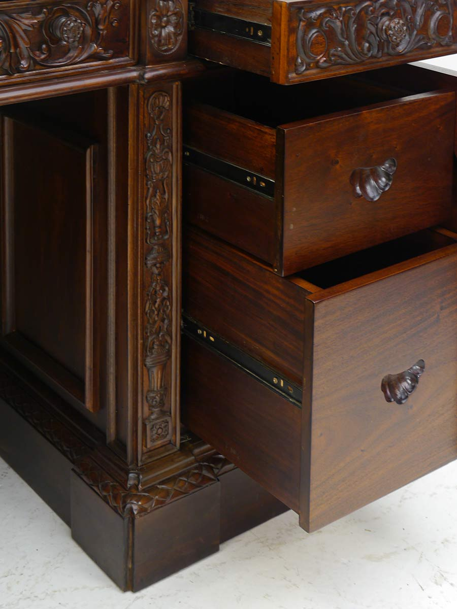 schreibtisch pr sidenten schreibtisch resolut desk reproantik massivholz 4381 schreibtische. Black Bedroom Furniture Sets. Home Design Ideas