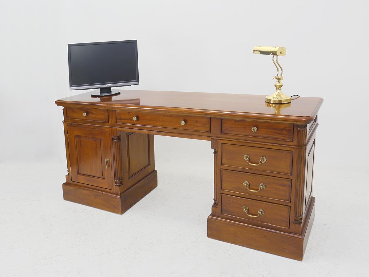 schreibtisch b rom bel schreibm bel antik stil heller nussbaum farbton 4502 schreibm bel. Black Bedroom Furniture Sets. Home Design Ideas