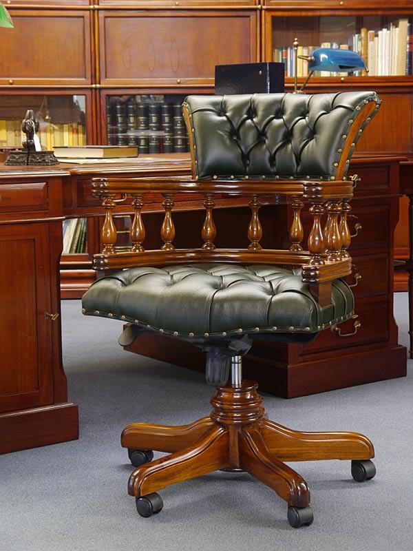 Bürostuhl mit grünem Leder in Chesterfield-Optik