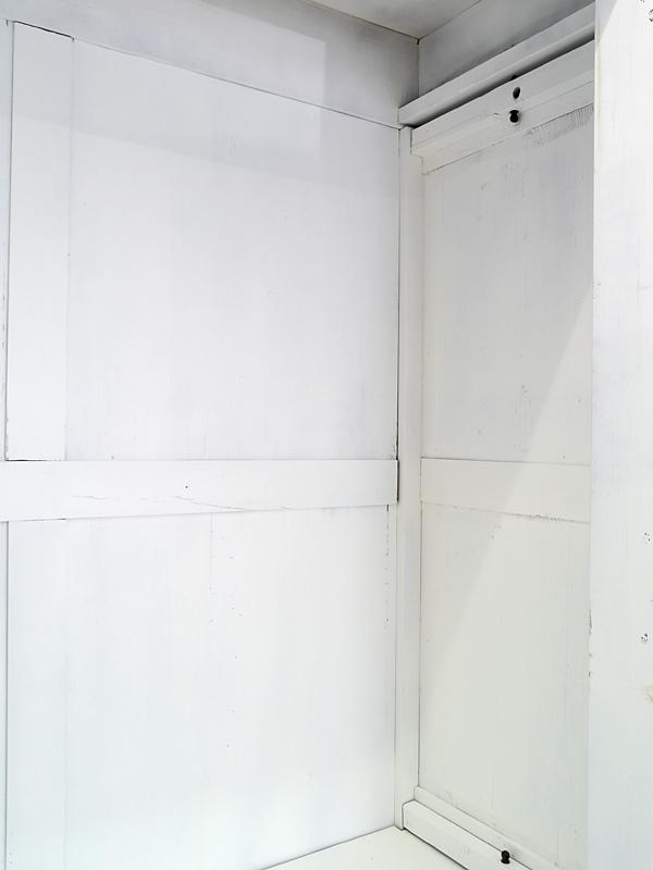 kleiderschrank dielenschrank schrank historismus um 1880. Black Bedroom Furniture Sets. Home Design Ideas