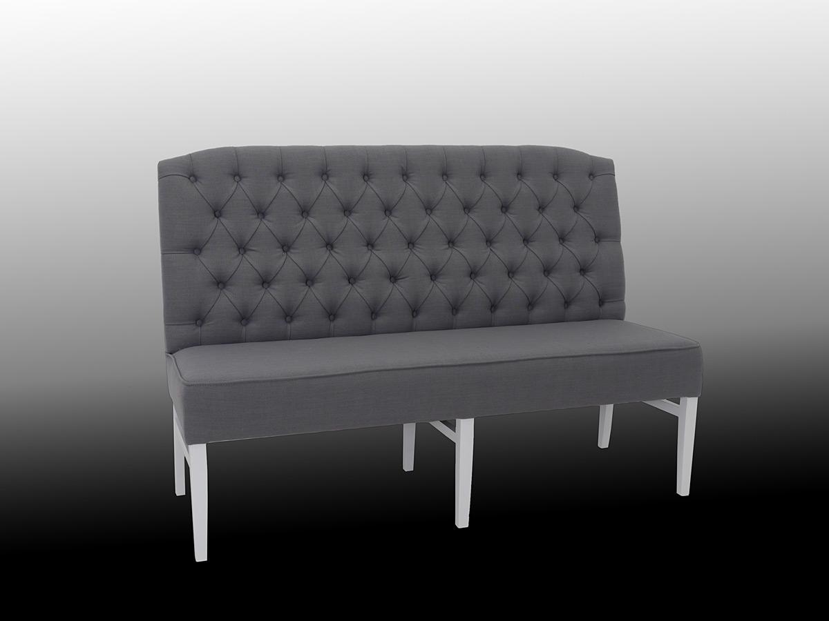 Sitzbank mit hoher Rückenlehne