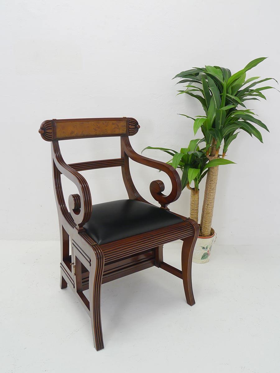 Stuhl im englischen Stil