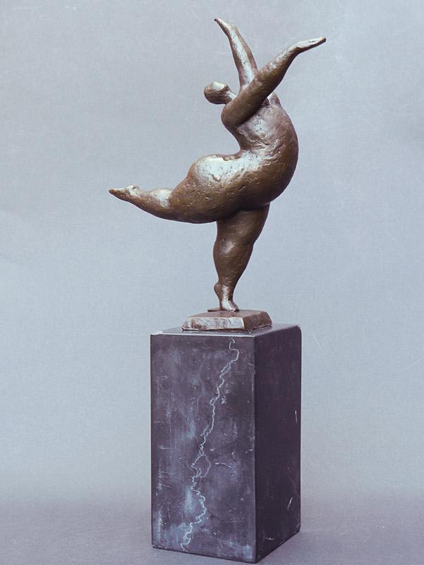 Bronze Figur einer korpulenten Tänzerin
