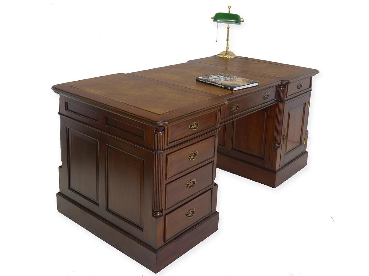 Schreibtisch partnerdesk aus massivholz im nussbaumfarbton for Schreibtisch 90 x 180