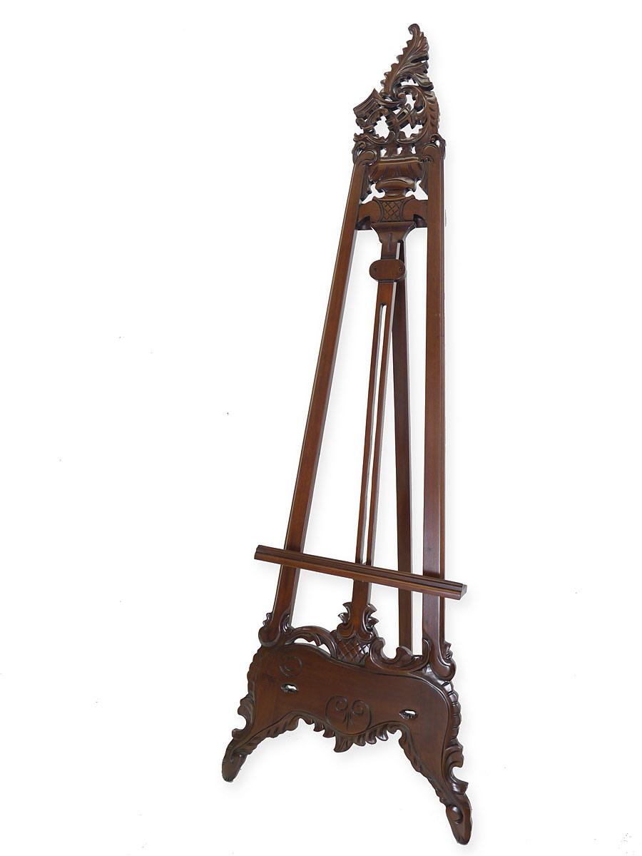 Staffelei im Rokoko Stil aus Massivholz im Nussbaumfarbton
