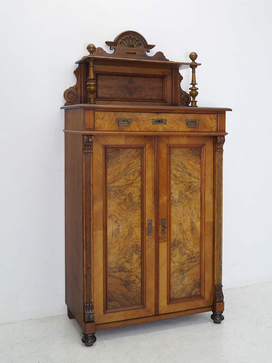 Antikes Vertiko mit Aufsatz Gründerzeit um 1880
