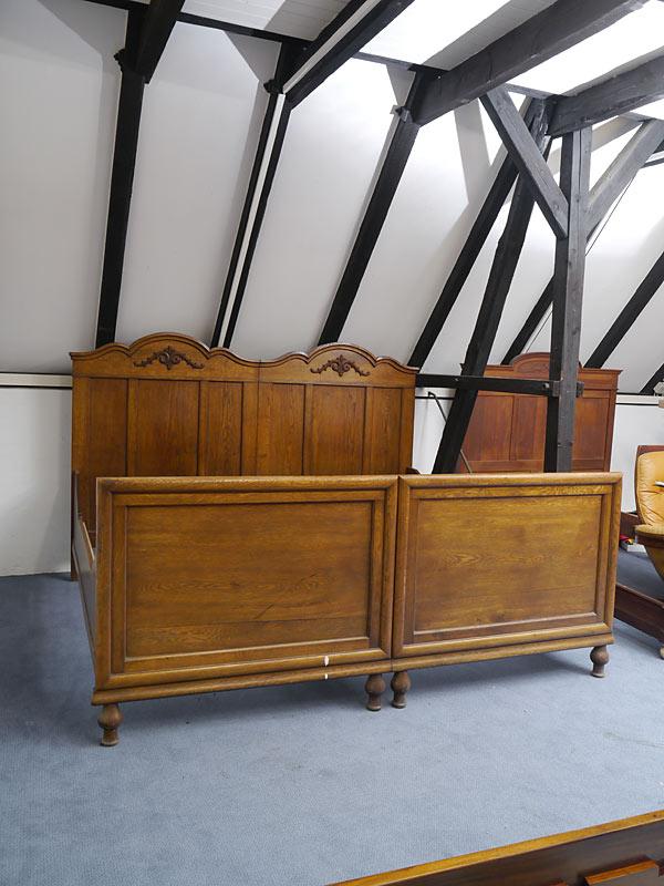 Antikes Doppelbett aus Eiche