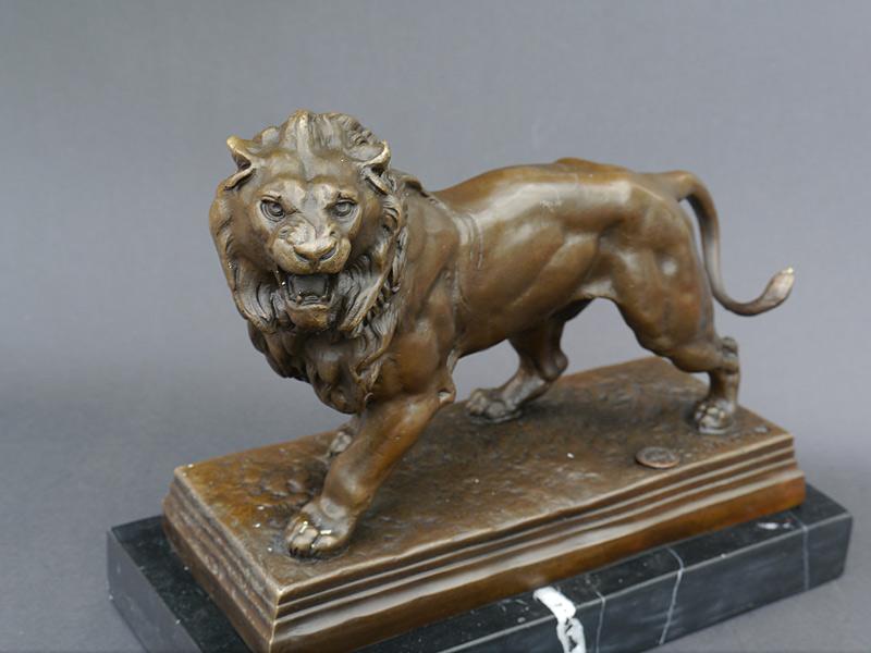 Detailansicht der Löwen Skulptur