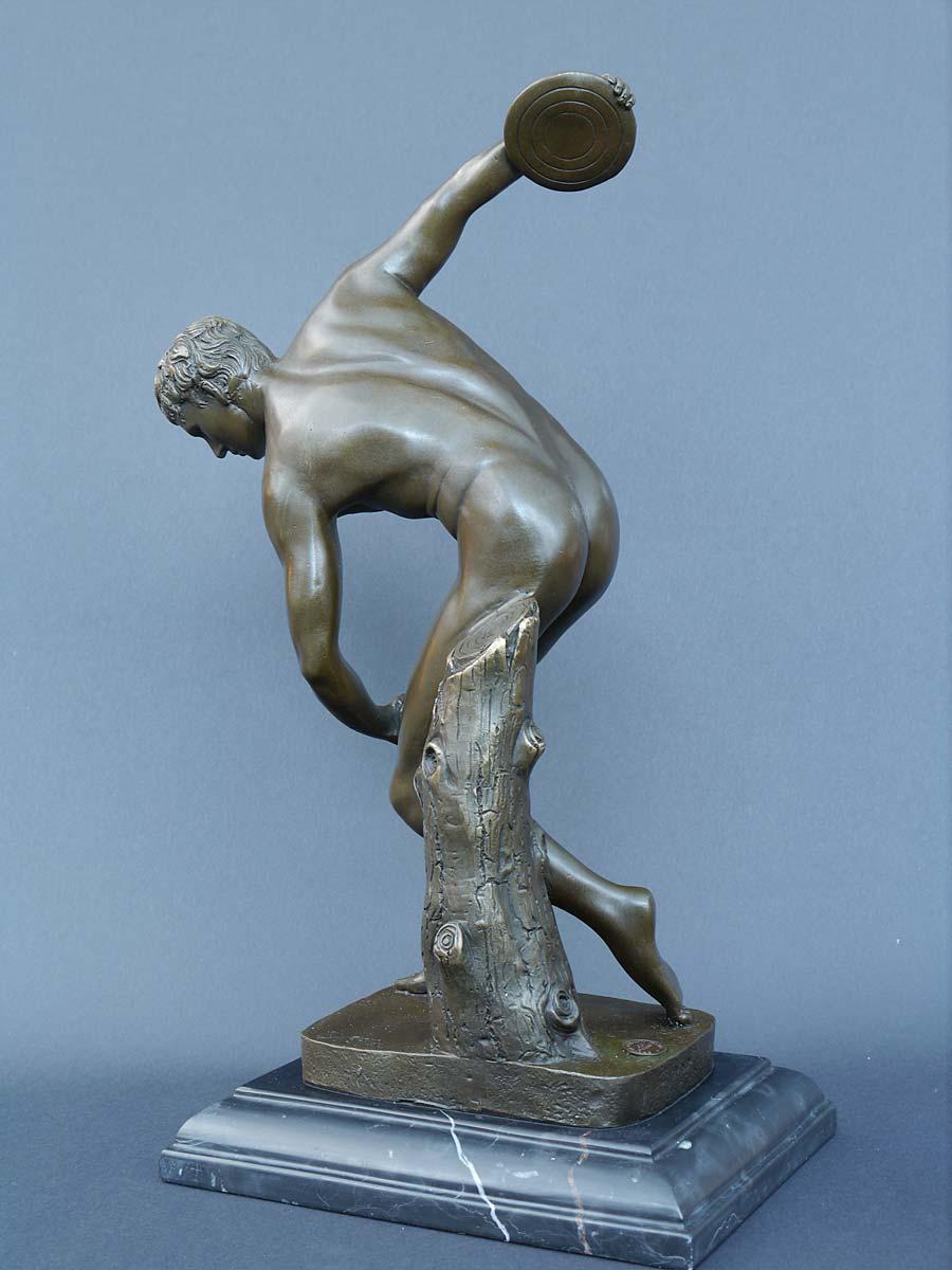 Rückansicht der Bronze Skulptur