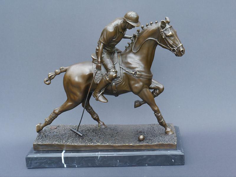 Bronze Figur eines Polospielers