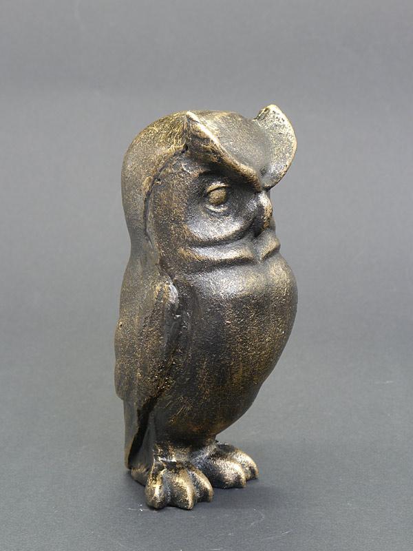Seitenansicht der Skulptur