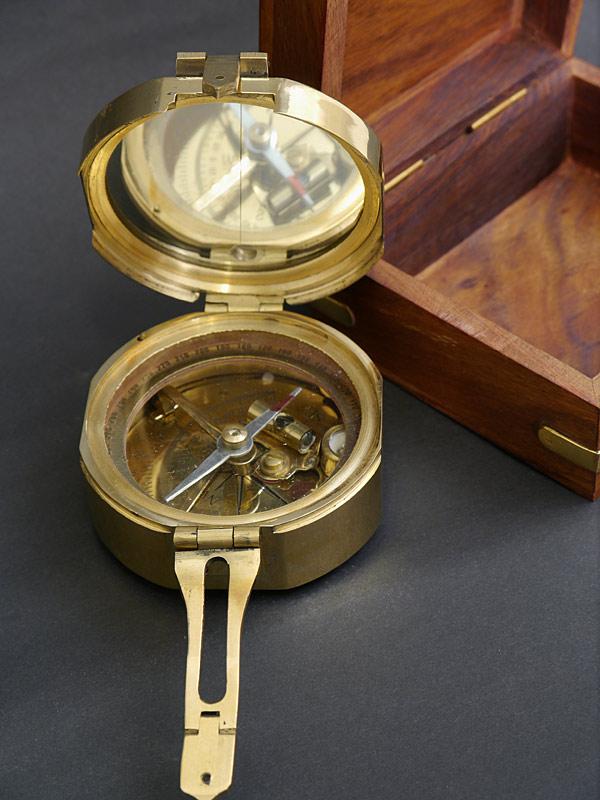 Nahaufnahme vom Kompass