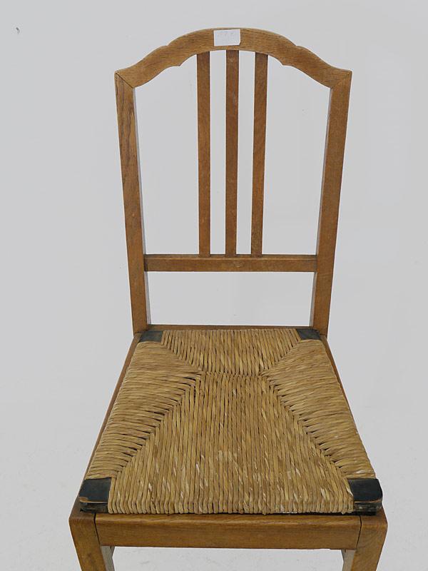 Sitzfläche aus Binsengeflecht