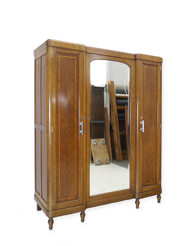 Antiker Kleiderschrank Art Deco um 1925