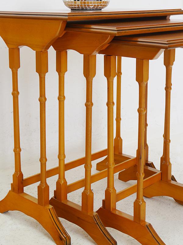 beistelltisch tisch blumentisch 3er set antik stil in eibe. Black Bedroom Furniture Sets. Home Design Ideas