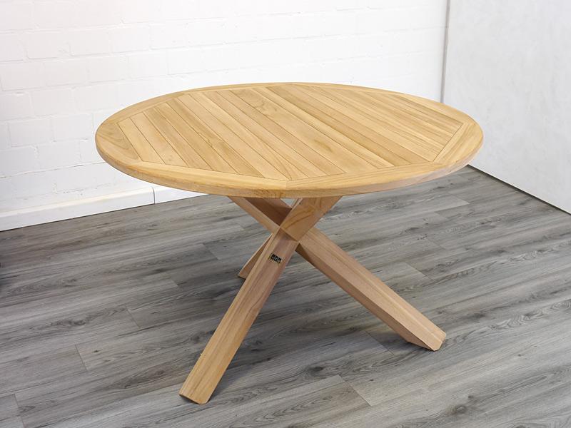 Runder Gartentisch aus massiven Teakholz