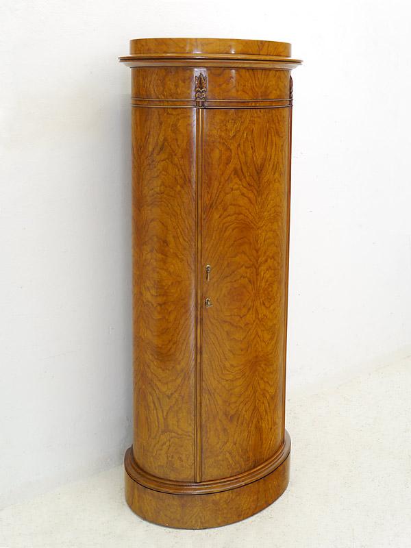 Ovaler 1-türiger Wellington Schrank